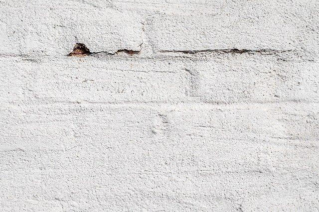 Peindre un mur en plâtre