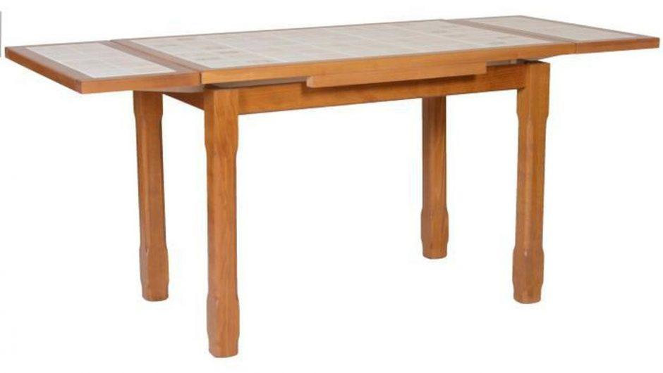 Peindre une table de cuisine carrelée