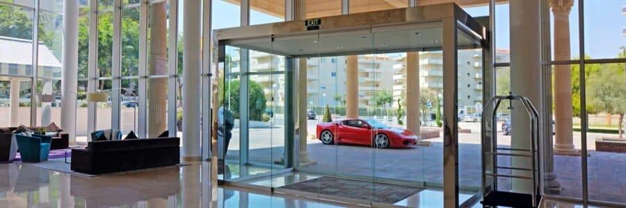 Quelles sont les différentes portes automatiques professionnelles ?