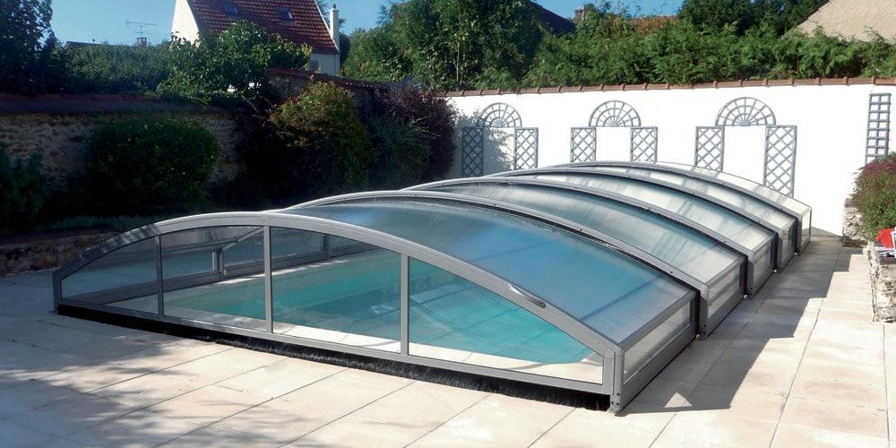 Découvrez les avantages d'un abri de piscine