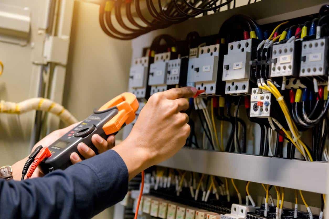 multimètre travaux courants électriques